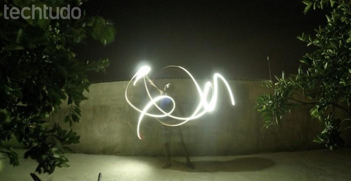 Efeito Light Painting usando uma GoPro  (Foto: Paulo Vasconcellos/TechTudo)