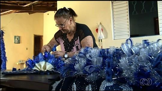 Comunidade faz os últimos ajustes para a encenação das Cavalhadas, em Pirenópolis