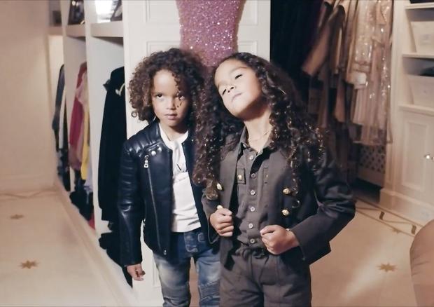 Moroccan e Monroe Cannon, filhos de Mariah Carey (Foto: reprodução)