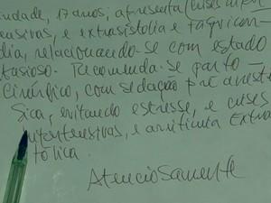 Jovem que foi cobrada para fazer parto cesáreo pelo SUS tinha laudo com indicação do procedimento, Bahia (Foto: Reprodução/ TV Santa Cruz)