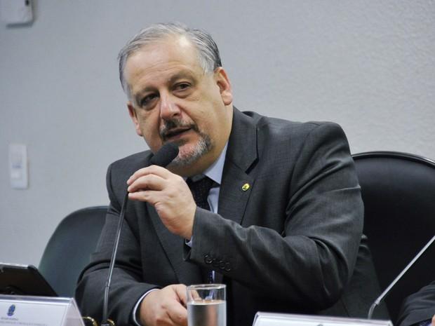 O ministro das Comunicações, Ricardo Berzoini, fala no Senado nesta terça-feira (12) (Foto: Geraldo Magela/Agência Senado)