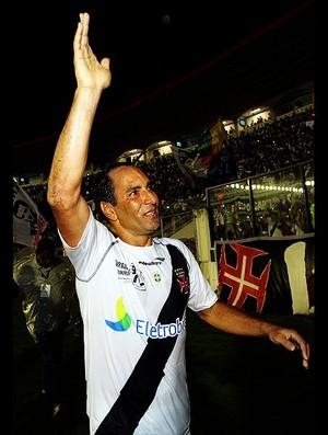 Edmundo vasco x barcelona (Foto: Alexandre Cassiano/Globo)