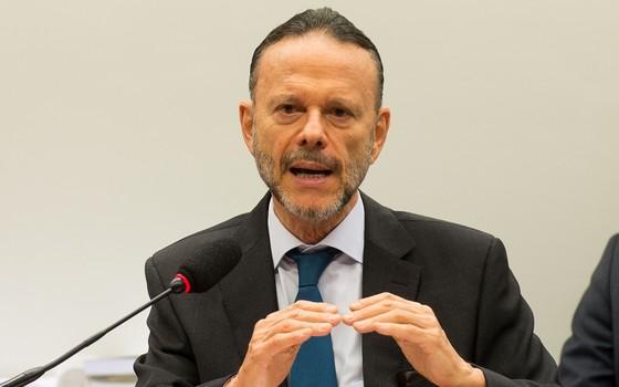 Luciano Coutinho fala à CPI da Petrobras (Foto: Agência Brasil)
