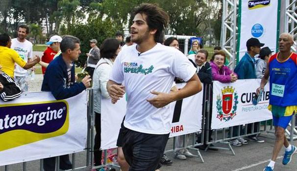 Corrida e Caminhada Esperança Curitiba 2013 (Foto: Euricles Macedo/RPC TV)