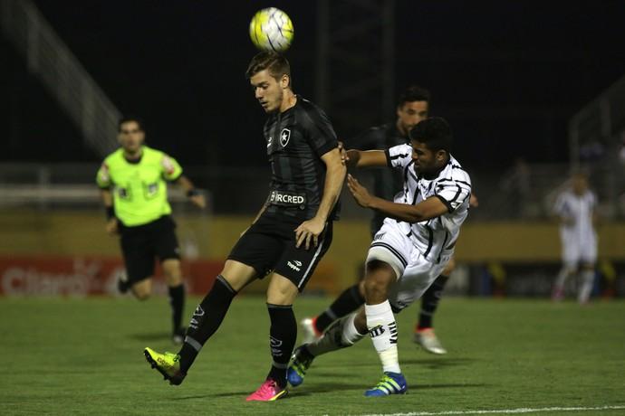 Com formação reserva, Botafogo enfrenta o Bragantino na Copa do Brasil