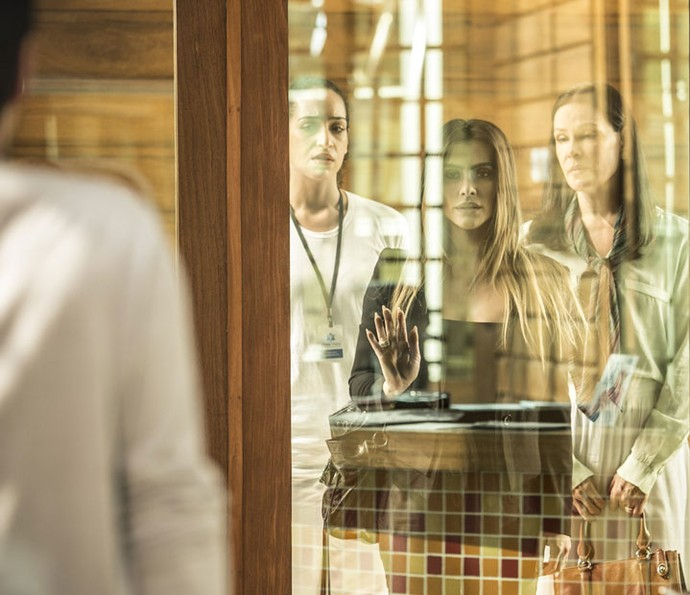 Tamara visita Fabinho, mas é chamada de assassina (Foto: Raphael Dias/Gshow)