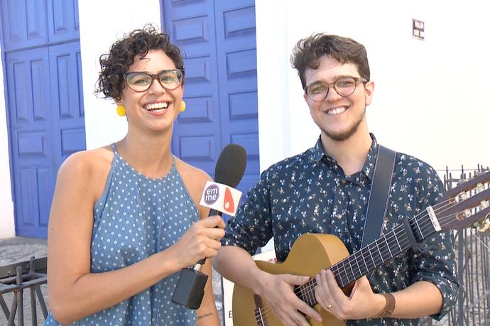 Aline e Zorzal falaram sobre um show do artista que rola quarta-feira, 20 (Foto: Divulgação / TV Gazeta ES)