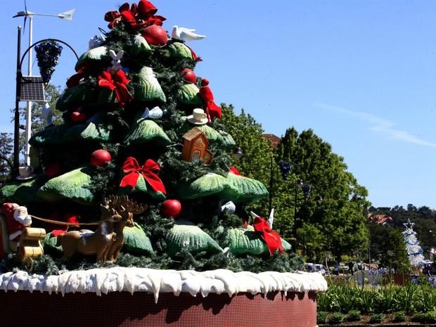 Ruas de Gramado foram decoradas para sediar o Natal Luz (Foto: Cleiton Thiele/Press Photo/Divulgação)