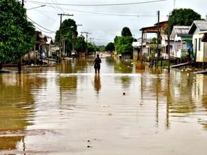 Esta é a décima cheia que Tarauacá enfrenta em quatro meses. Foto desta quinta-feira (19) (Foto: Ascom/Prefeitura de Tarauacá)