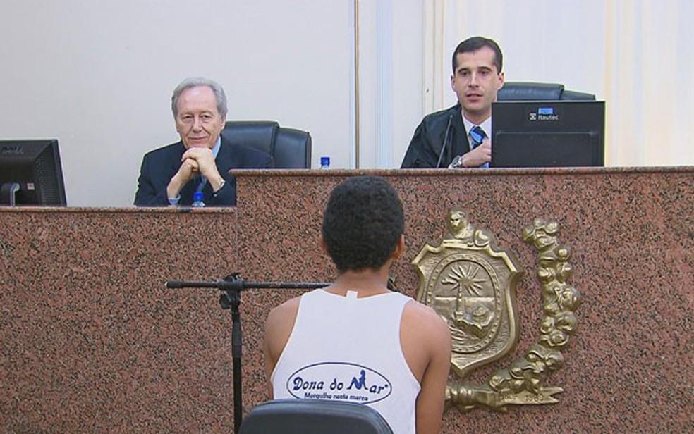 O ministro Lewandowski participou da primeira audiência do programa em Pernambuco. Decisão foi por soltar acusado de tentar roubar bandeja de carne de supermercado, em 14 de agosto de 2015 (Foto: Reprodução/TV Globo)