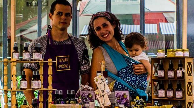 Alcir Blondet, Fernanda Telles e a pequena Iasmin (Foto: Divulgação/Naturalmente)
