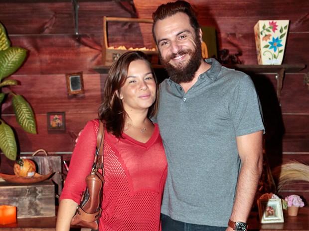 Rodrigo Lombardi e a esposa Betty Baumgarten (Foto: Felipe Monteiro / TV Globo)