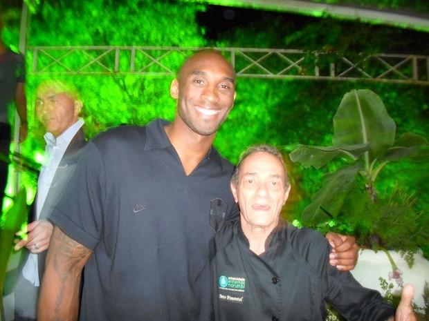 Kobe Bryant curte balada em Salvador (Foto: Uran Rodrigues/ Divulgação)