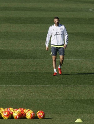 Benzema treino Real Madrid (Foto: EFE)