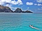 Marina Ruy Barbosa e Klebber Toledo mostram fotos de praia paradisíaca