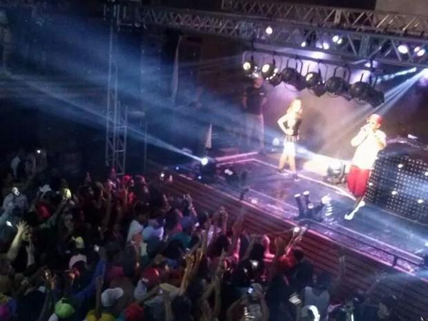 Apresentação do cantor foi realizada no último sábado em Agudos  (Foto: Arquivo pessoal/ Diego Adelino Siqueira)
