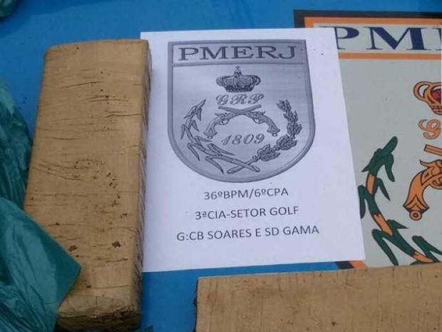 Material foi levado para delegacia, com os suspeitos (Foto: Divulgação/Polícia Militar)