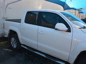 Delegado atirou contra a própria caminhonete para tentar evitar que suspeito fugisse (Foto: Divulgação / Polícia Federal)