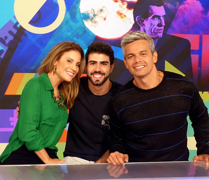 Juliano Laham participou do Vídeo Show ao lado de Maíra Charken e Otaviano Costa (Foto: Cristina Cople / Gshow)