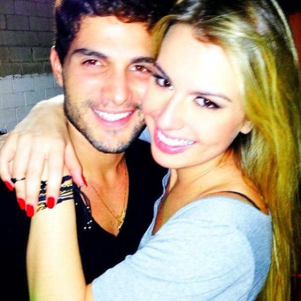 Ex-BBBs Fernanda e André (Foto: Reprodução/Instagram)