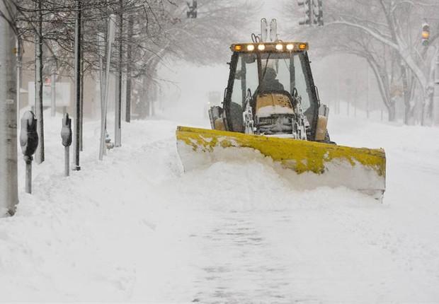 Os EUA mal conseguiram se recuperar de Nemo e já se preparam para uma nova tempestade de neve (Foto: Agência EFE)