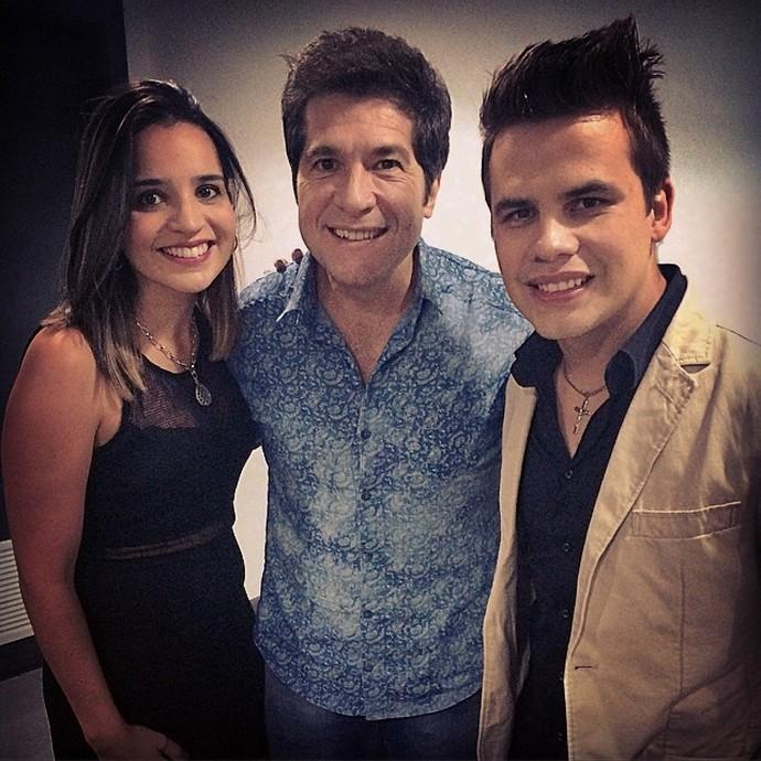 Nos bastidores do show em Curitiba, teve mais foto de Daniel com Danilo e a esposa Juliane (Foto: Arquivo pessoal)