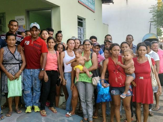 Vítimas procuraram a delegacia para registrar a ocorrência (Foto: Leonardo Soares/Arquivo Pessoal)