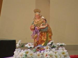 Imagem peregrina de Sant'Ana, em Santarém (Foto: Reprodução/TV Tapajós)