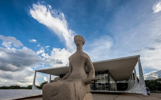 Fachada do prédio do Supremo Tribunal Federal (STF) e Estátua da Justiça (Foto:  Dorivan Marinho/SCO/STF)