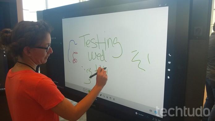 Surface Hub 4 (Foto: Elson Junior/TechTudo)