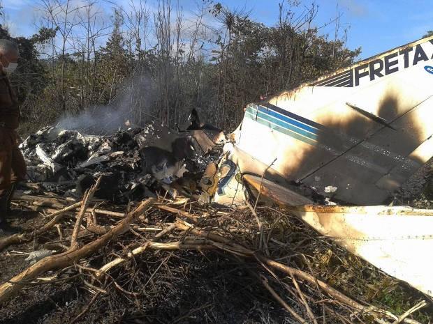 Avião bimotor caiu em Almeirim, no noroeste do Pará
