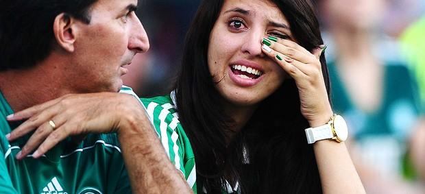 torcedora Palmeiras choto empate (Foto: Marcos Ribolli / Globoesporte.com)