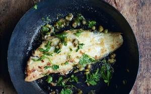 'A Pequena Cozinha em Paris' - peixe frito com limão e manteiga
