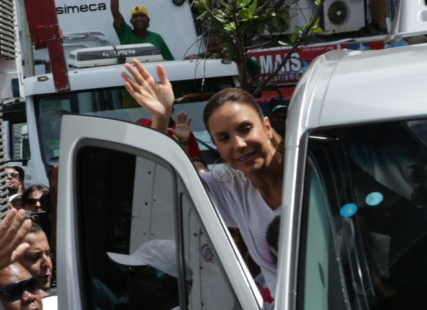 Ivete Sangalo (Foto: Denilson Santos, Daniel Delmiro, JC Pereira, Raphael Castello, Wallace Barbosa e Wesley Costa/AgNews )