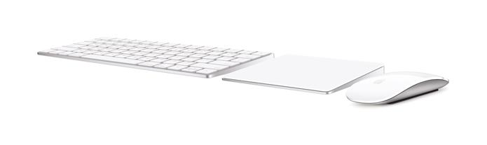 Teclado, trackpad e mouse ganham novo design, mais ergonomia, bateria integrada e recarga via Lightning (Foto: Divulgação/Apple)