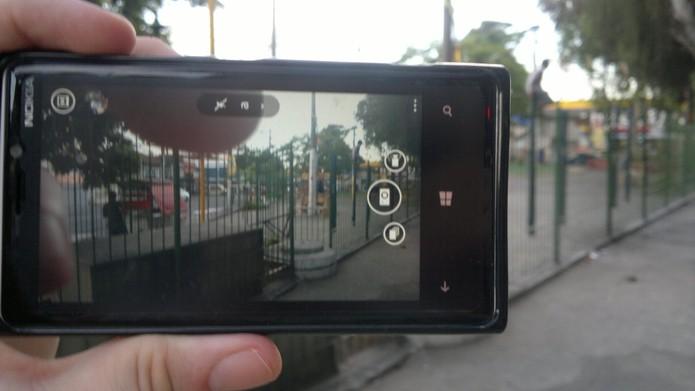 Teste câmera e outros componentes na frente do vendedor para evitar golpes (Foto: Elson de Souza/TechTudo)