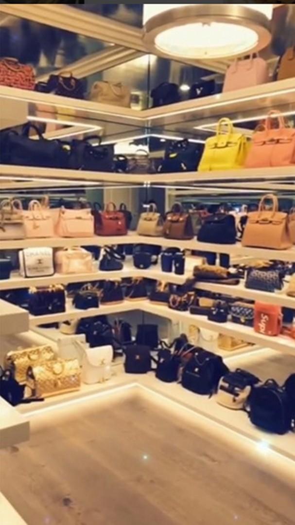 Closet de bolsas de Kylie Jenner (Foto: Reprodução)