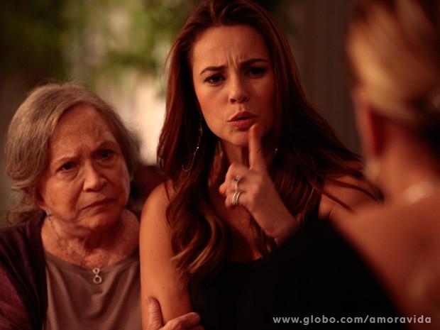 Paloma descobre que é adotada e se descontrola (Foto: Amor à Vida / TV Globo)