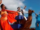 'Camelo' de vendedor de esfiha é queimado no Rio: 'Está brabo', diz