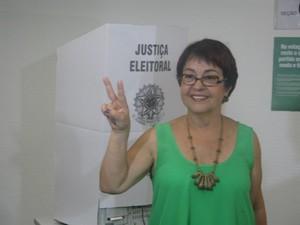 Aspásia Camargo votou em Copacabana no fim desta manhã (Foto: Cristiane Cardoso/G1)