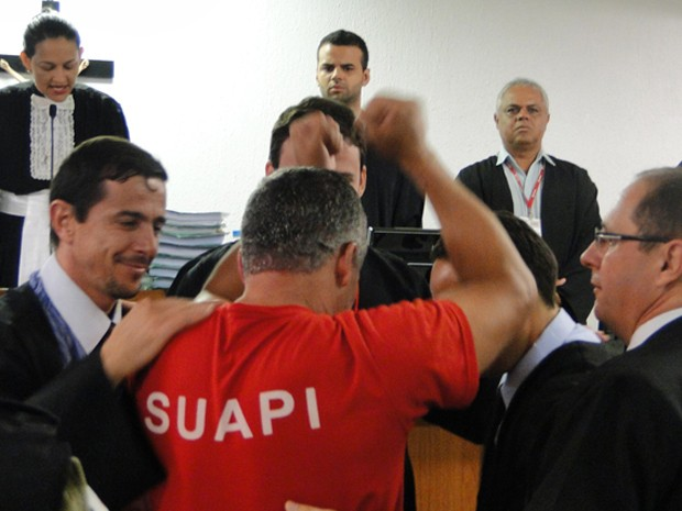 Após três dias de julgamento, Bola comemora absolvição (Foto: Pedro Cunha/G1)