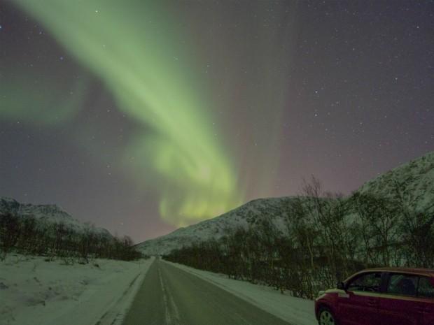 Aurora boreal fotografada pelo 'caçador' curitibano na Noruega, em dezembro de 2012 (Foto: Marco Brotto / Arquivo Pessoal)