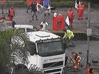 Caminhoneiro é agredido com barra de ferro durante protesto em SP; veja