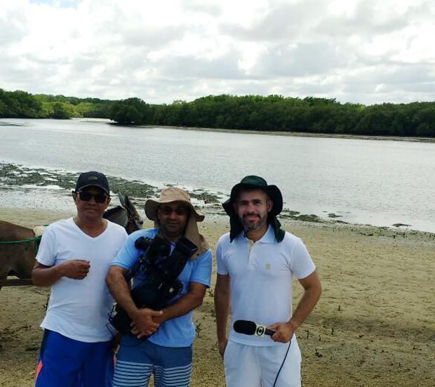 Repórteres Renan Nunes, Moacir Neto e Carlos Alberto mostram belezas de Barra Grande  (Foto: TV Clube)