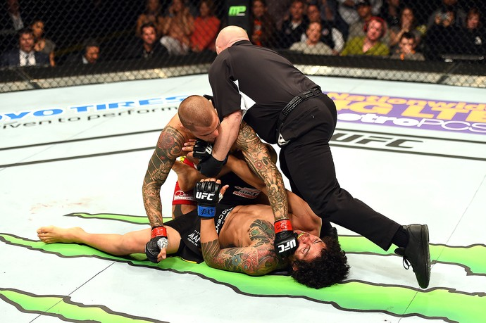 Dustin Poirier x Diego Ferreira, UFC Fight Night (Foto: Josh Hedges / Getty Images)