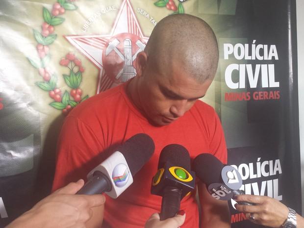 Diego tem três mandados de prisão em aberto, afirmou delegado (Foto: Fernanda Resende/G1)