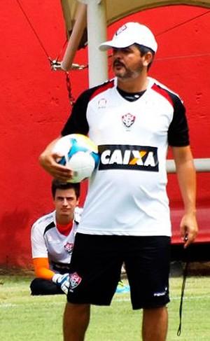 Ney Franco  Vitória (Foto  Divulgação EC Vitória) 070f700924fa6