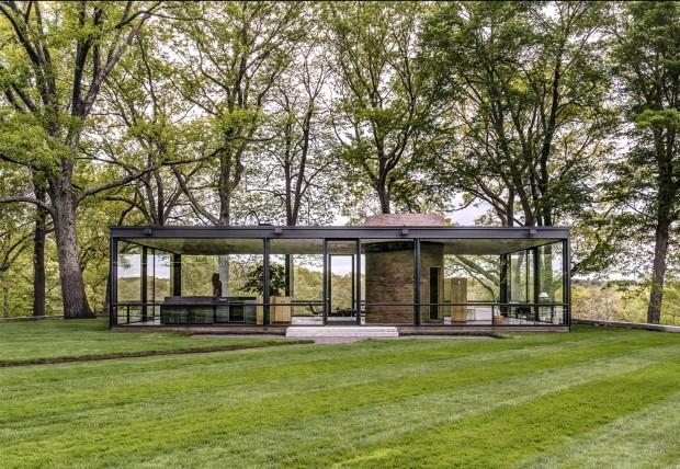 """Casa de Vidro de Lina Bo Bardi recebe exposição """"Casas de Vidro"""" (Foto: The P.J. Glass House)"""