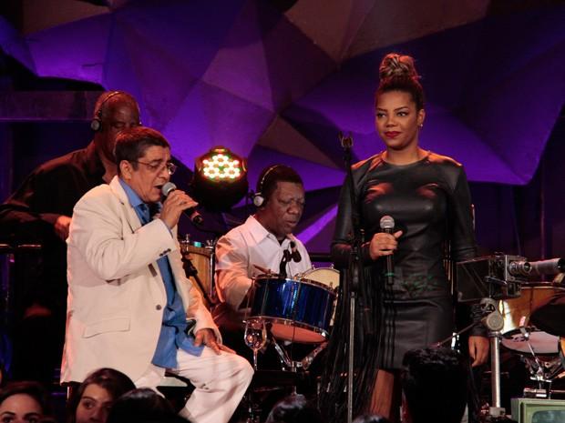Zeca Pagodinho canta com Ludmilla no Altas Horas (Foto: Marcos Mazini/Gshow)