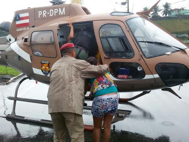Grupamento Aéreo da Polícia Militar fez resgate de vítimas do desabamento (Foto: Polícia Militar/Divulgação)